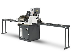 The BLM SC425 – a semi-automatic upstroke circular sawing machine.