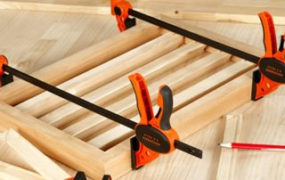 Clamps keep the timber in place when working with timber. Pony Jorgensen