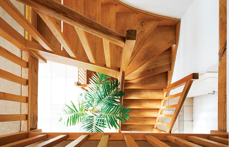 Timber interiors:  low-carbon options for healthy buildings