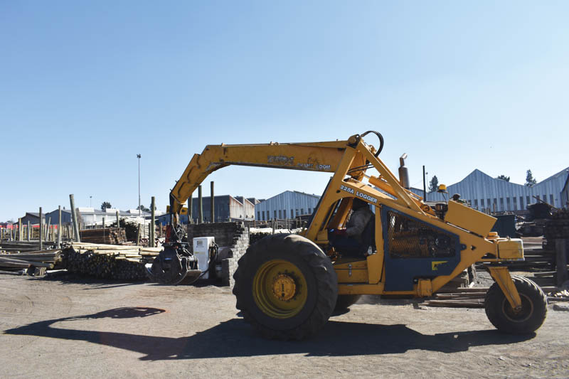 Mintroad operates three Bell Tele Loggers as well as multi-purpose heavy-duty handling machinery for its material handling.