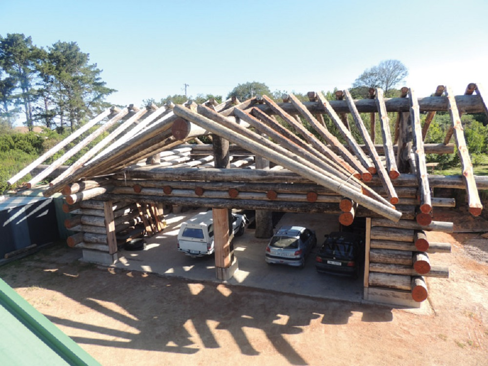 Roy's garden shed began as a project to build a personal 140m² carpentry workshop and parking garage for four vehicles.